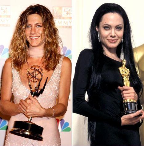 Jennifer Aniston'ın ilk büyük ödülü 2002 yılında kazandığı Emmy'di. Angelina Jolie ise 2000 yılında Oscar kazandı.